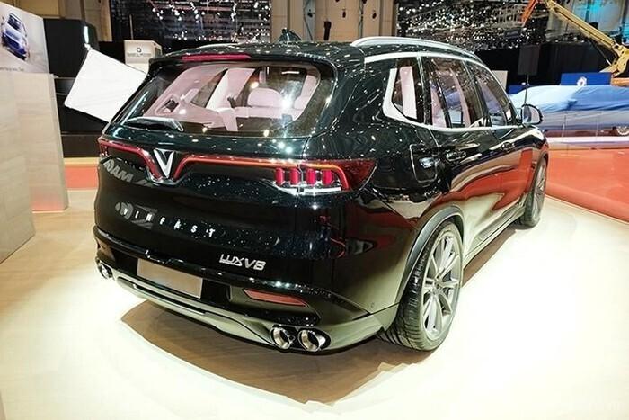 duoi-xe-vinfast-lux-v8-2020-2021-14.jpg