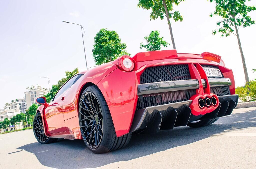 Ferrari 458 Italia độ bodykit Misha đầu tiên tại Việt Nam - Hình 4