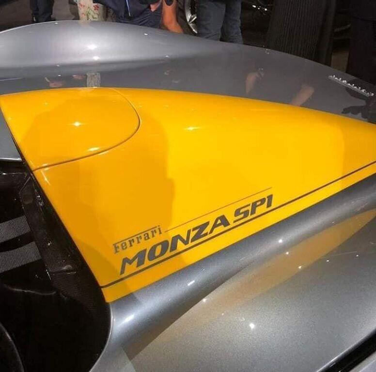 """Ferrari Monza SP1 và SP2 """"lên sóng"""" với kiểu dáng Speedster cổ điển - Hình 2"""