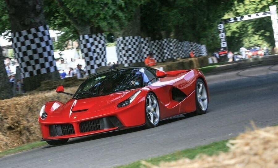 Ferrari sẽ giới thiệu một chiếc hybrid V8 sản xuất hàng loạt vào năm 2019 - Hình 1