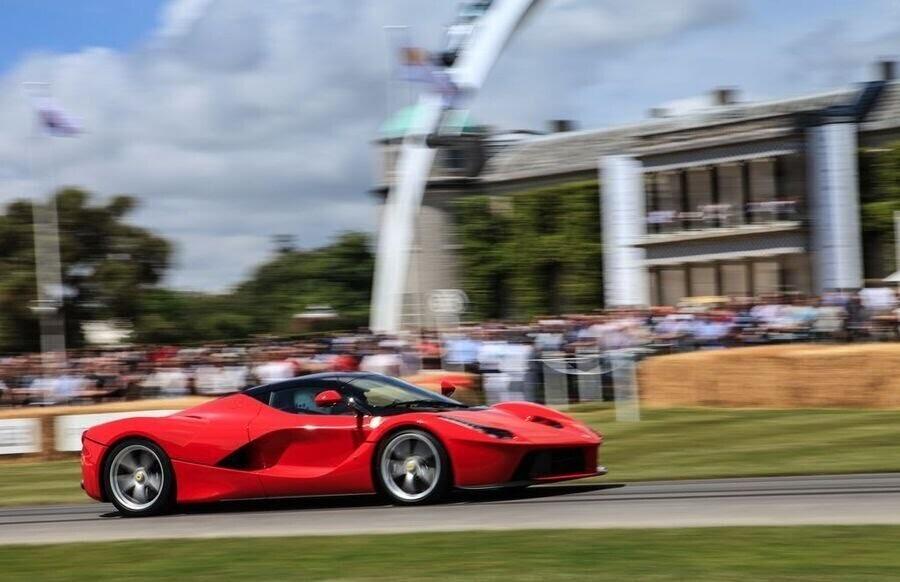 Ferrari sẽ giới thiệu một chiếc hybrid V8 sản xuất hàng loạt vào năm 2019 - Hình 2