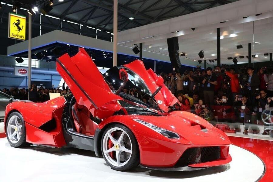 Ferrari sẽ giới thiệu một chiếc hybrid V8 sản xuất hàng loạt vào năm 2019 - Hình 6