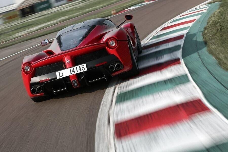 Ferrari sẽ giới thiệu một chiếc hybrid V8 sản xuất hàng loạt vào năm 2019 - Hình 7