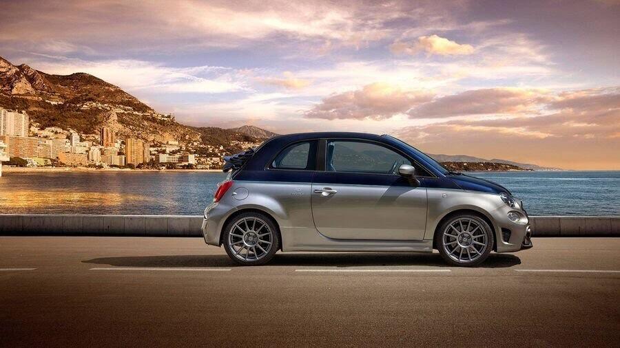 Fiat vén màn Abarth 124 GT có phần mái sợi carbon trước thềm Geneva 2018 - Hình 4