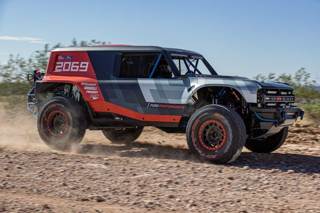 ford-bronco-r-dinh-cao-cua-lang-off-road-the-gioi