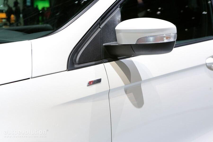 Ford Edge ST-Line 2019 chính thức ra mắt khách hàng châu Âu - Hình 8