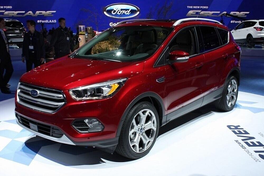 Ford Escape 2017 đã có mặt tại Việt Nam, giá khoảng 1,3 tỷ đồng - Hình 1