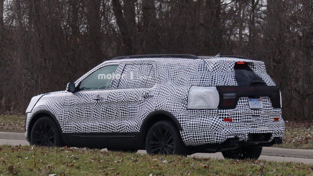 Ford Explorer 2020 sẽ có phiên bản ST mạnh hơn 440 mã lực - Hình 5