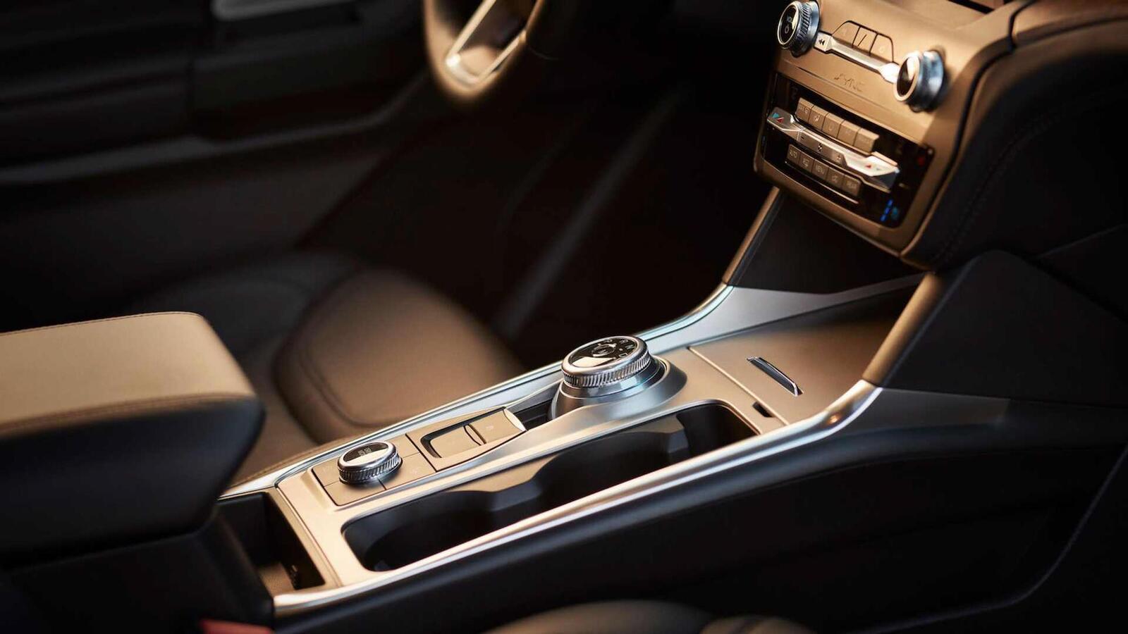 Ford Explorer 2020 thế hệ mới ra mắt; thiết kế mới và cải thiện khả năng vận hành - Hình 11