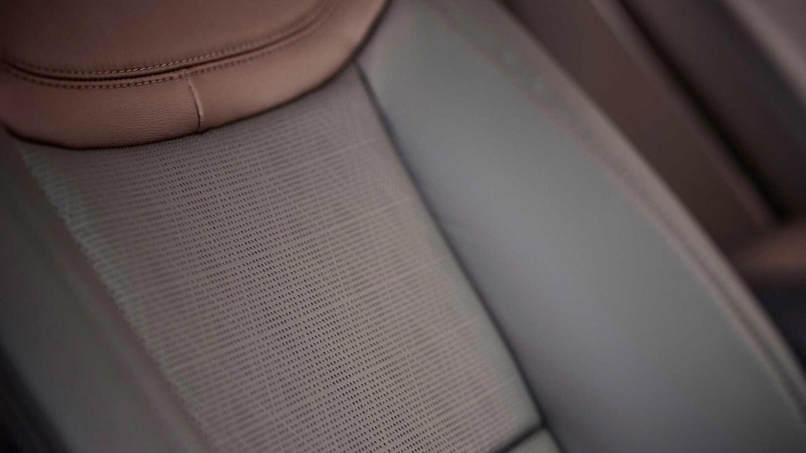 Ford Explorer 2020 thế hệ mới ra mắt; thiết kế mới và cải thiện khả năng vận hành - Hình 16