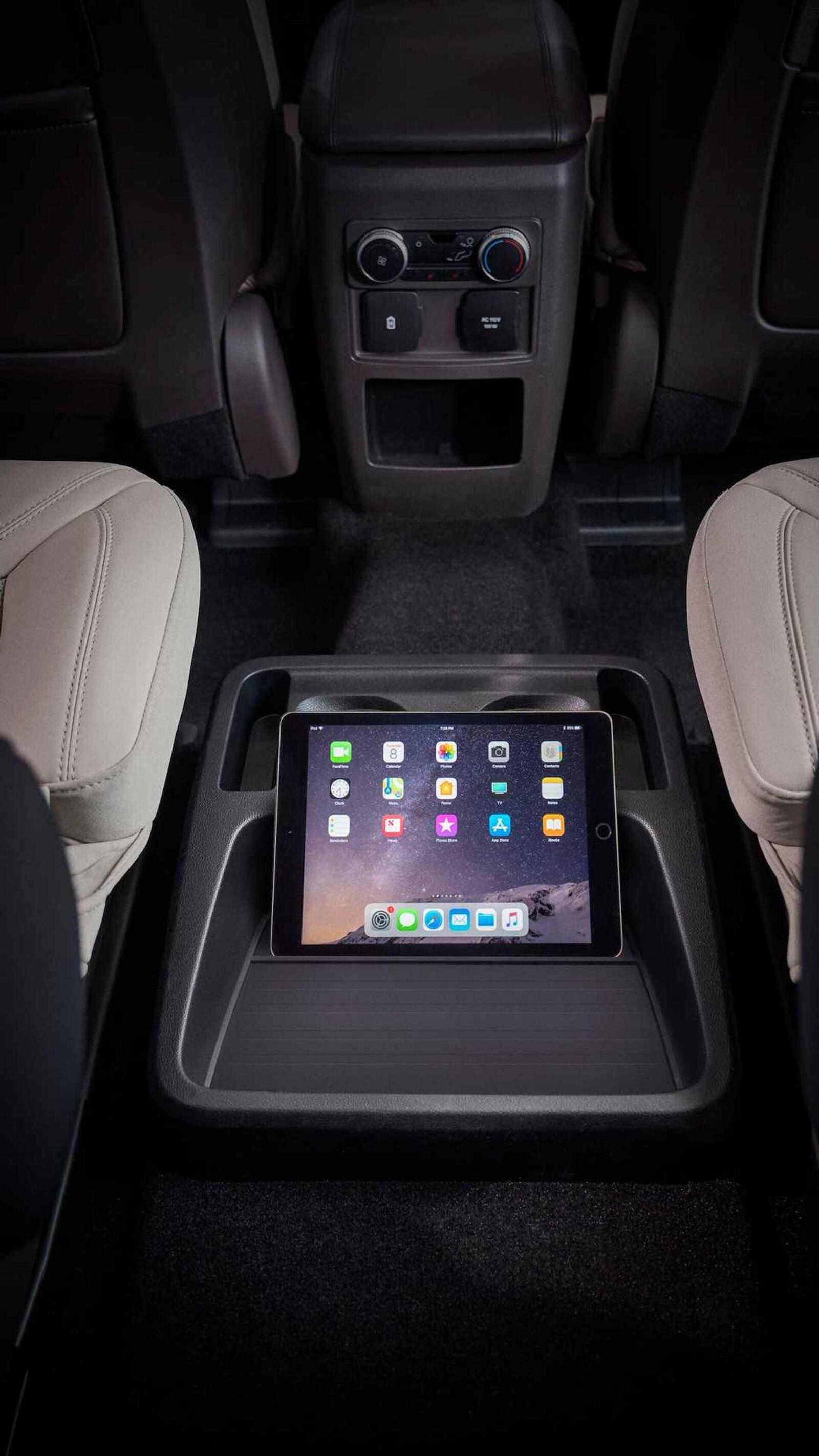 Ford Explorer 2020 thế hệ mới ra mắt; thiết kế mới và cải thiện khả năng vận hành - Hình 8