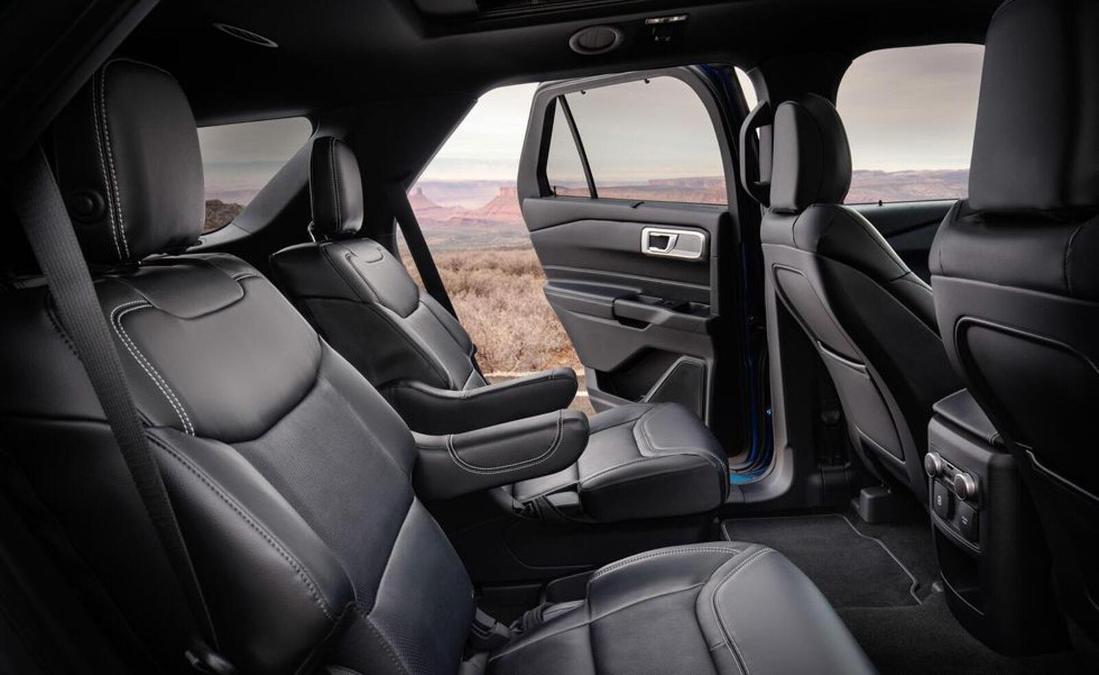 Ford giới thiệu Explorer ST 2020: Phiên bản mạnh nhất lắp máy V6 3.0L tăng áp 400 mã lực - Hình 22