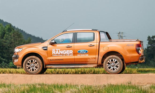 Ford ngừng nhận đặt hàng Ranger và Explorer trong 2 tháng đầu 2018 - Hình 1