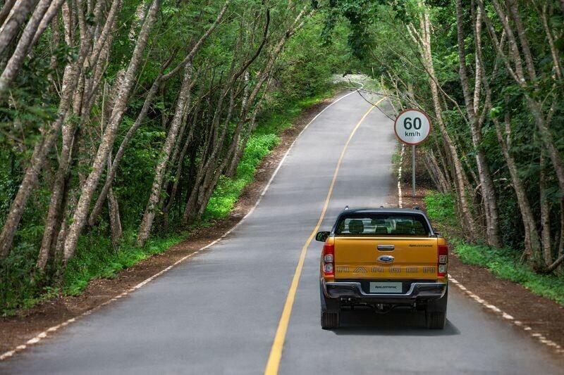 Ford Ranger mới mạnh mẽ hơn, an toàn hơn giá từ 630 triệu VNĐ chính thức mở bán tại Việt Nam - Hình 18