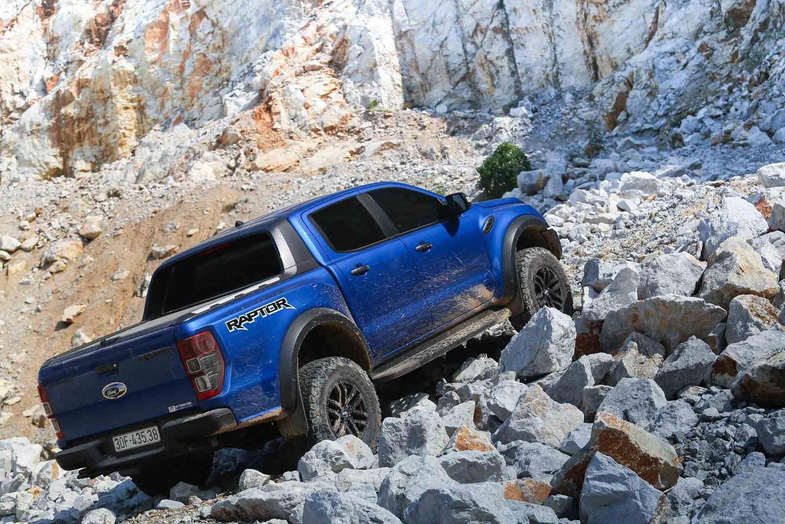 Ford Ranger Raptor – kẻ chinh phục mọi thách thức - Hình 3
