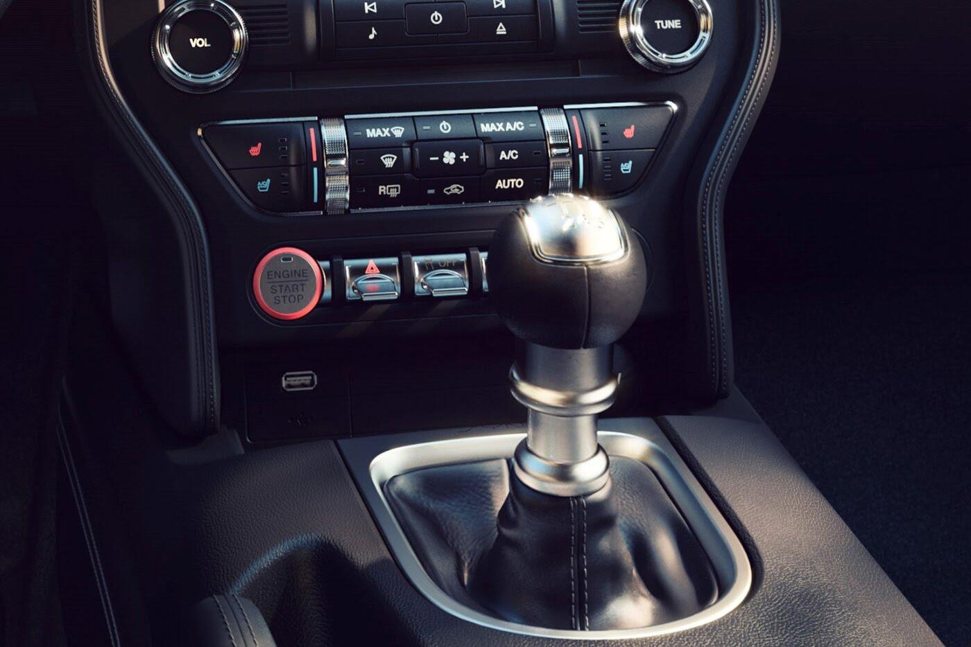 """Ford vừa """"chốt giá"""" Mustang 2018 mới - Hình 7"""