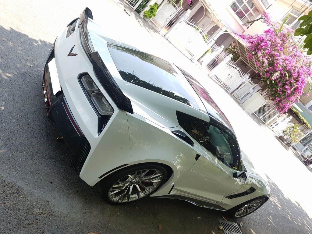 """Gặp Chevrolet Corvette C7 Z06 """"tắm nắng"""" tại Phú Mỹ Hưng, Sài Gòn - Hình 3"""