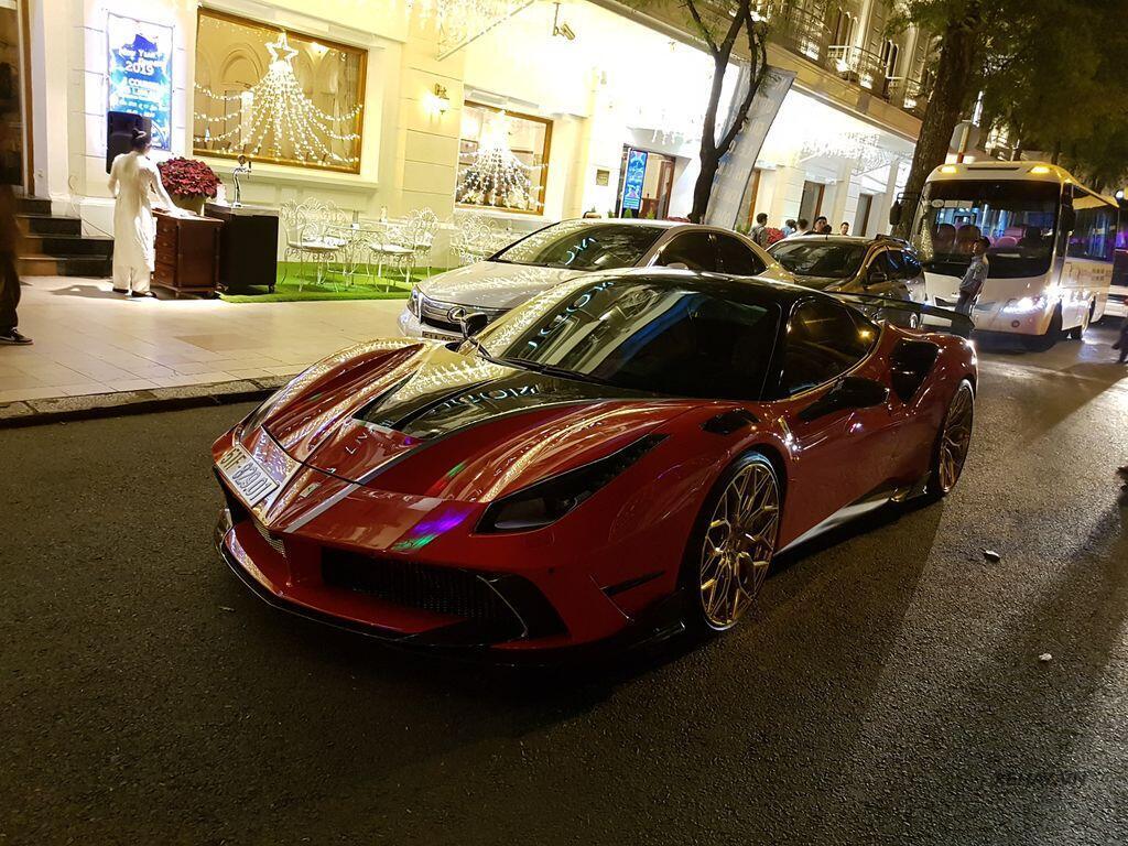 Gặp Ferrari 488 GTB độ Mansory hầm hố nhất Việt Nam - Hình 1