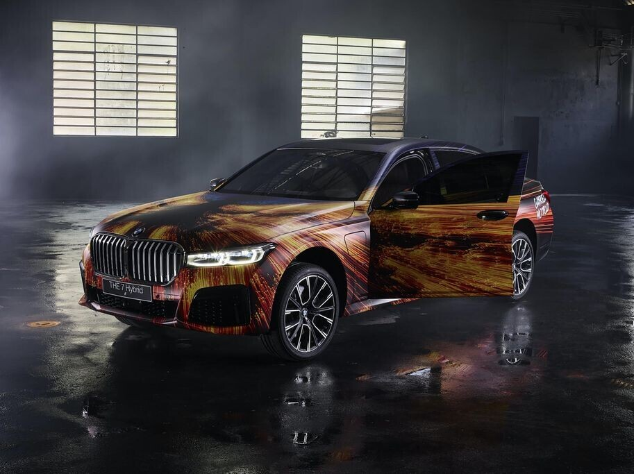 gap-go-bmw-745le-m-sport-2020-trong-lop-ao-day-nghe-thuat