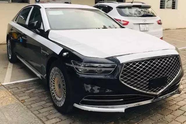 Genesis G90 2020 đầu tiên về Việt Nam: Sedan cỡ F Hàn Quốc tham vọng đấu Mercedes S-Class và BMW 7-Series - Ảnh 1.