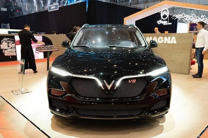 gia-xe-vinfast-lux-v8-2020-2021-13.jpg