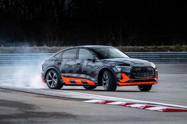 gioi-thieu-audi-e-tron-s-sportback-2021-1.jpg