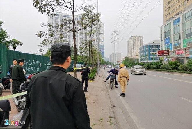 Nhiều tuyến đường tại Hà Nội được công an tăng cường phân luồng, bảo vệ để phục vụ hội nghị Mỹ - Triều. Ảnh: Hoàng Lam.