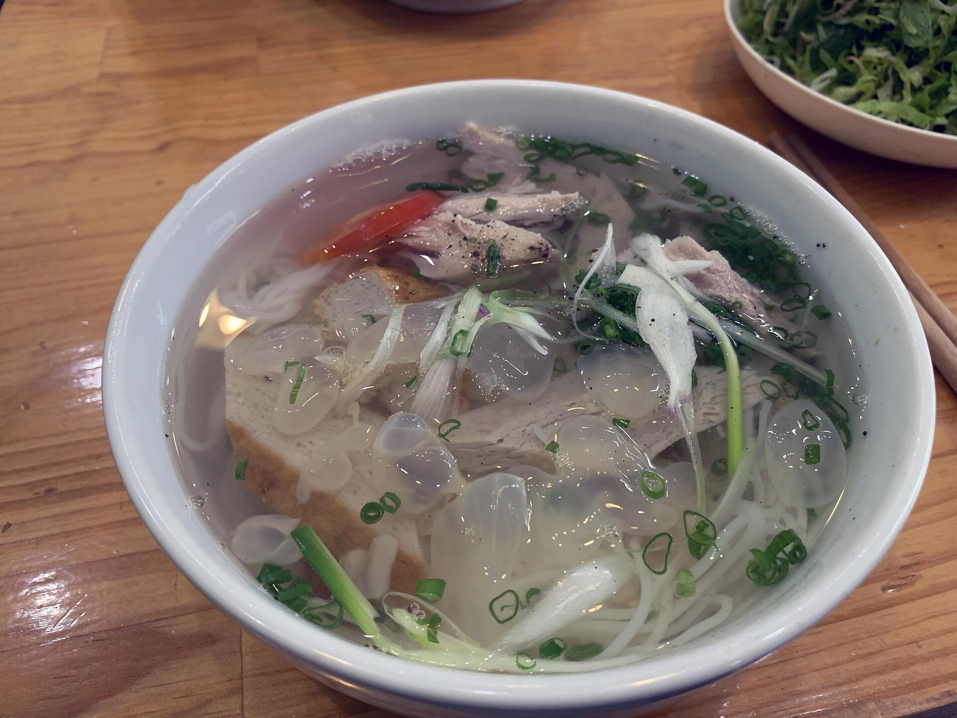 Bún cá Nha Trang, đã dặn không ăn sứa mà cứ bỏ vào, giận luôn
