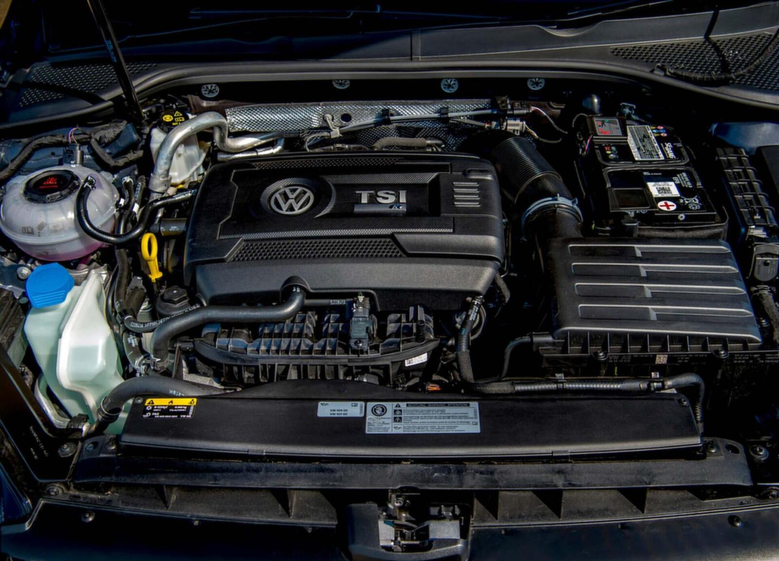 Hatchback hiệu năng cao Volkswagen Golf R 2018 về Việt Nam; đối thủ của Ford