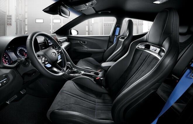 hatchback-the-thao-hyundai-veloster-n-2021-ban-tai-my-trong-thang-10