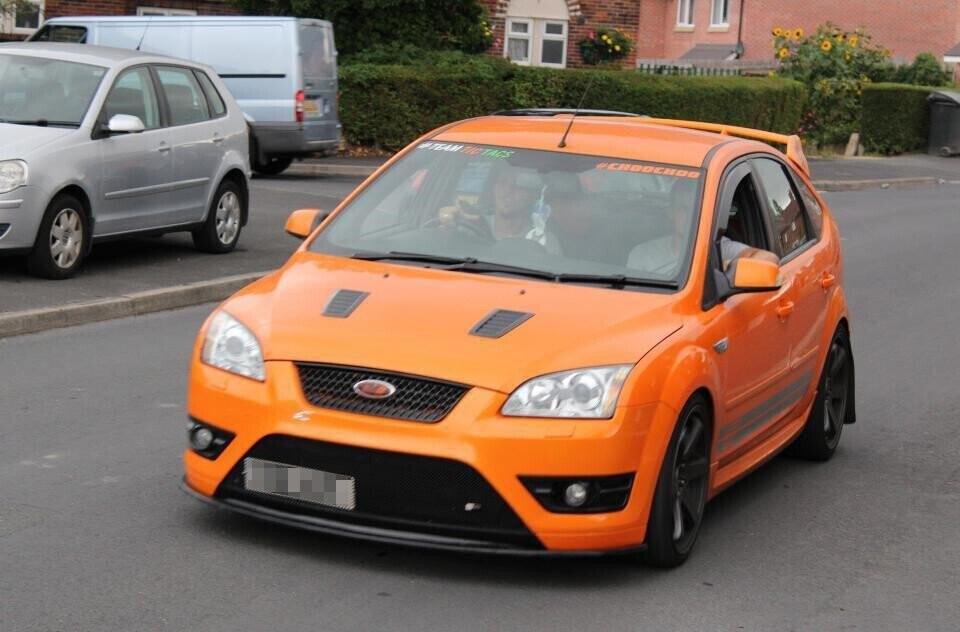 Hơn 140 ôtô diễu hành mừng sinh nhật bé 4 tuổi mê xe bị tự kỷ - Hình 2