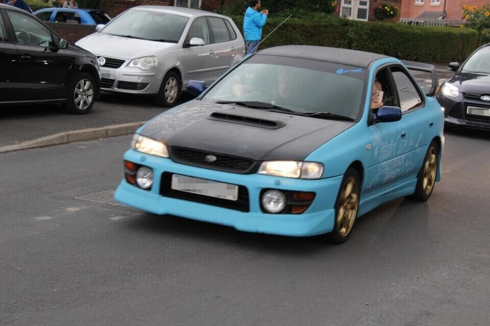 Hơn 140 ôtô diễu hành mừng sinh nhật bé 4 tuổi mê xe bị tự kỷ - Hình 3