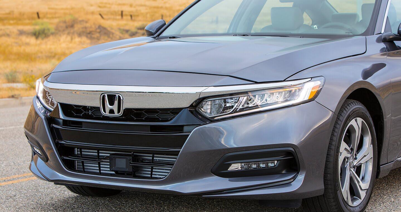Honda Accord 2018 vs Toyota Camry 2018: Cán cân nghiêng về bên nào? - Hình 2