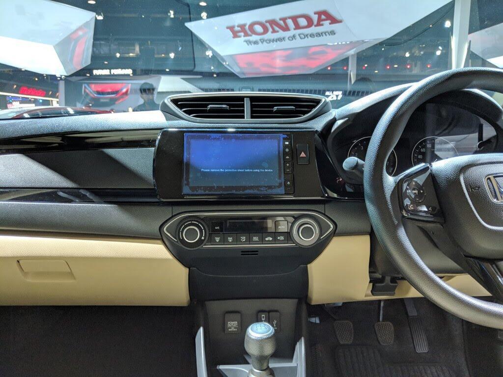 Honda Amaze - đối thủ Hyundai Grand i10 sedan - Hình 8