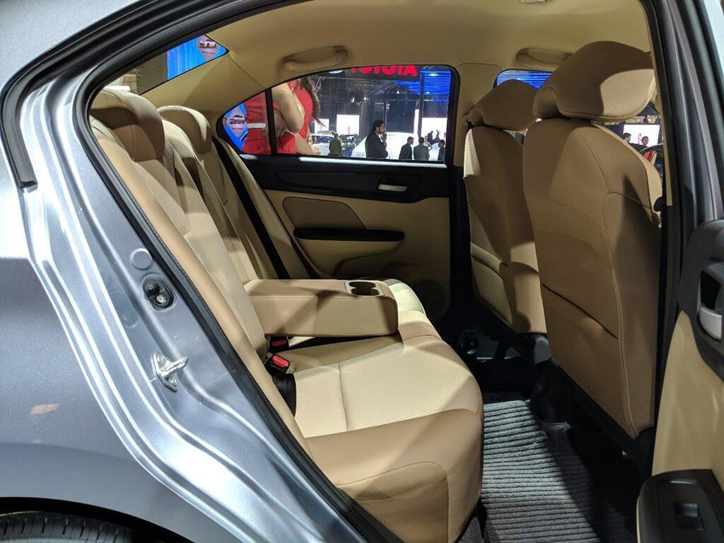 Honda Amaze - đối thủ Hyundai Grand i10 sedan - Hình 9