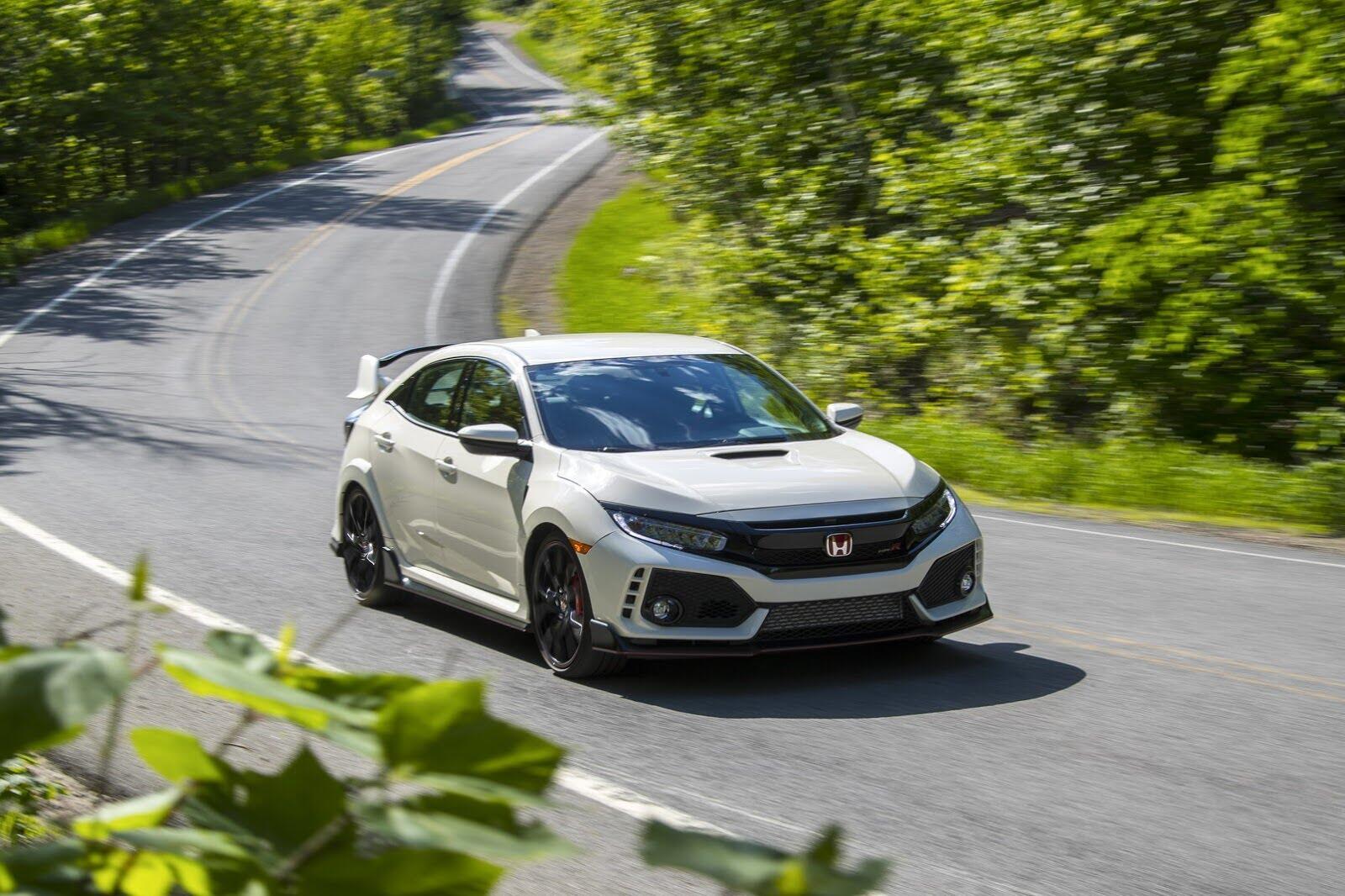 Honda Civic Type R 2017 có giá từ 31.350 USD tại Canada - Hình 1