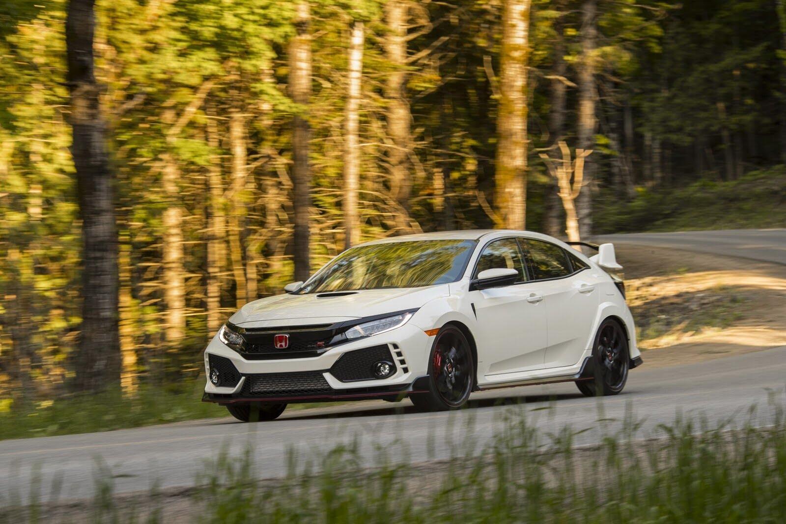 Honda Civic Type R 2017 có giá từ 31.350 USD tại Canada - Hình 3