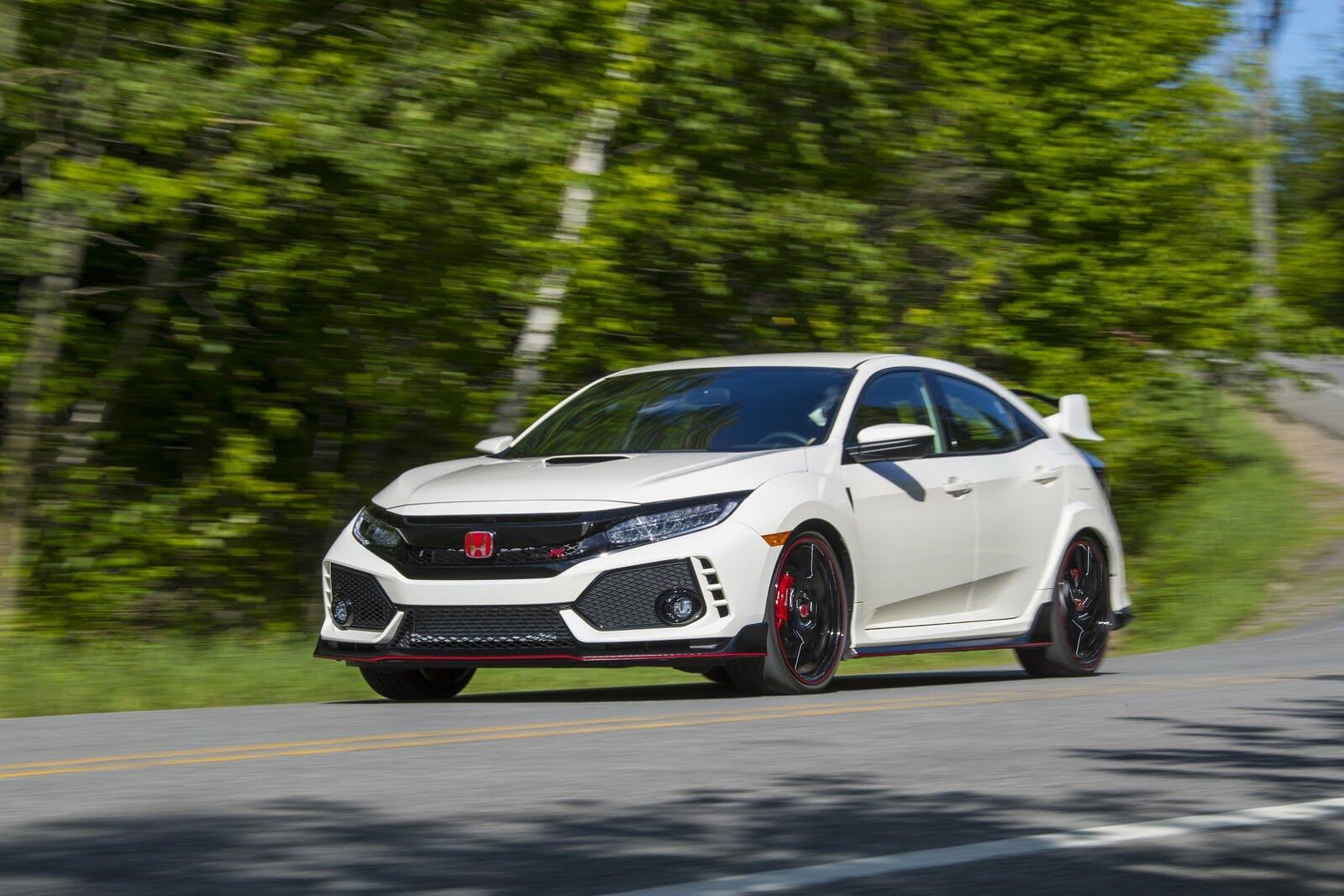 Honda Civic Type R 2017 có giá từ 31.350 USD tại Canada - Hình 7