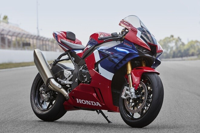 honda-ra-mat-superbike-cbr1000rr-r-tai-vn-dat-nhat-1-049-ty-dong