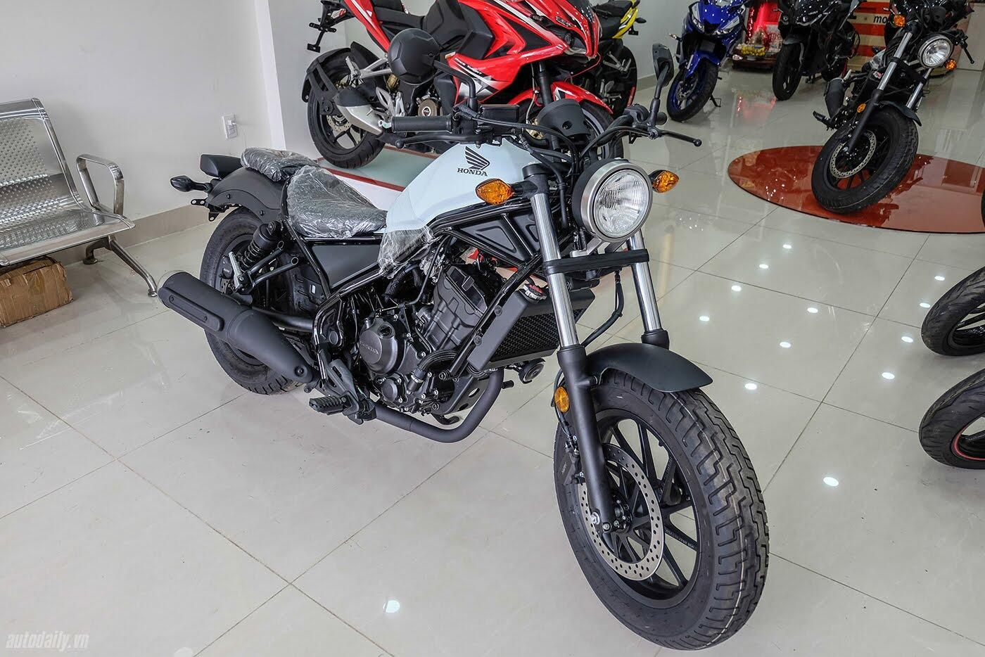 Honda Rebel 300 ABS 2017 đầu tiên về Việt Nam, giá hơn 170 triệu đồng - Hình 2