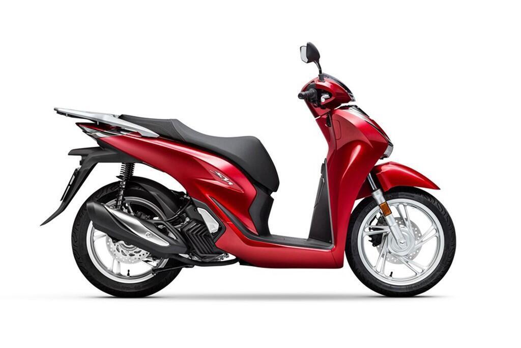 https://cdn.dailyxe.com.vn/image/honda-sh-2020-va-piaggio-medley-2020-13-89731j2.jpg?1574089995887