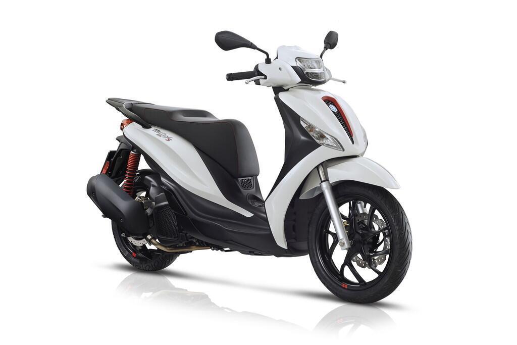 https://cdn.dailyxe.com.vn/image/honda-sh-2020-va-piaggio-medley-2020-7-89725j2.jpg?1574090014053