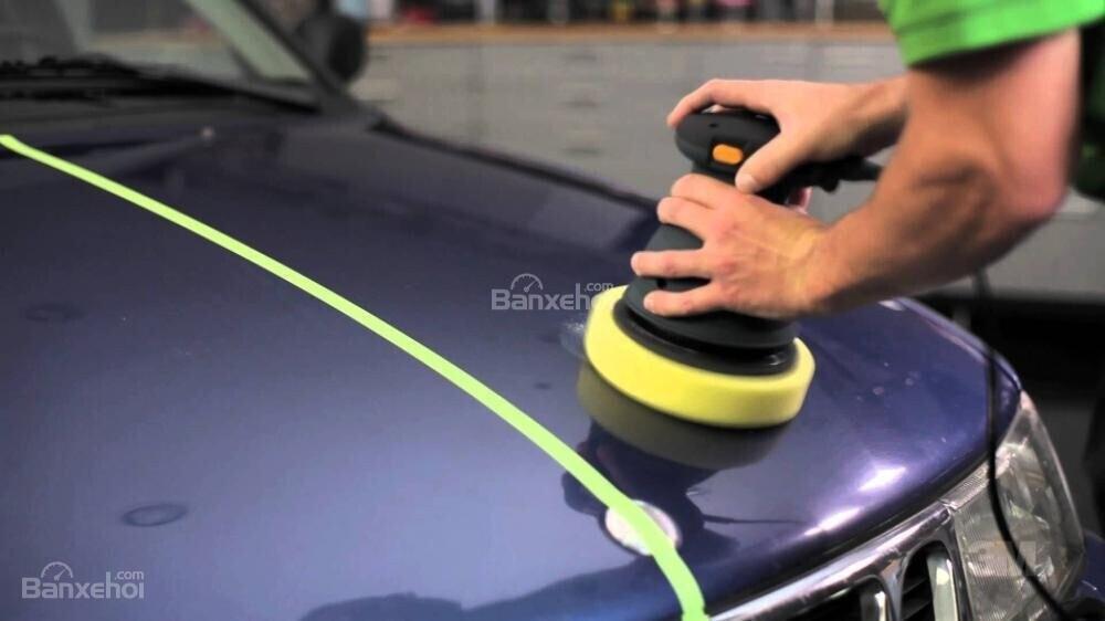 Tạo độ bóng cho xe ô tô/