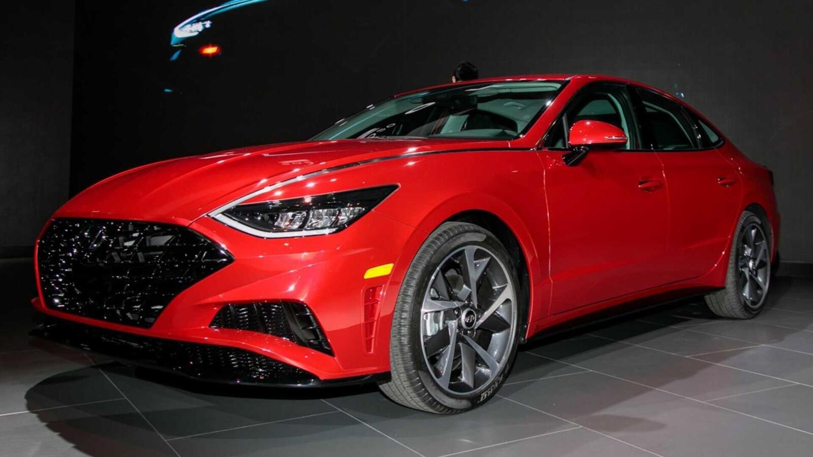 Hyundai đã ra mắt Sonata thế hệ thứ 8 tại Mỹ: Động cơ 1.6L tăng áp và 2.5L - Hình 1