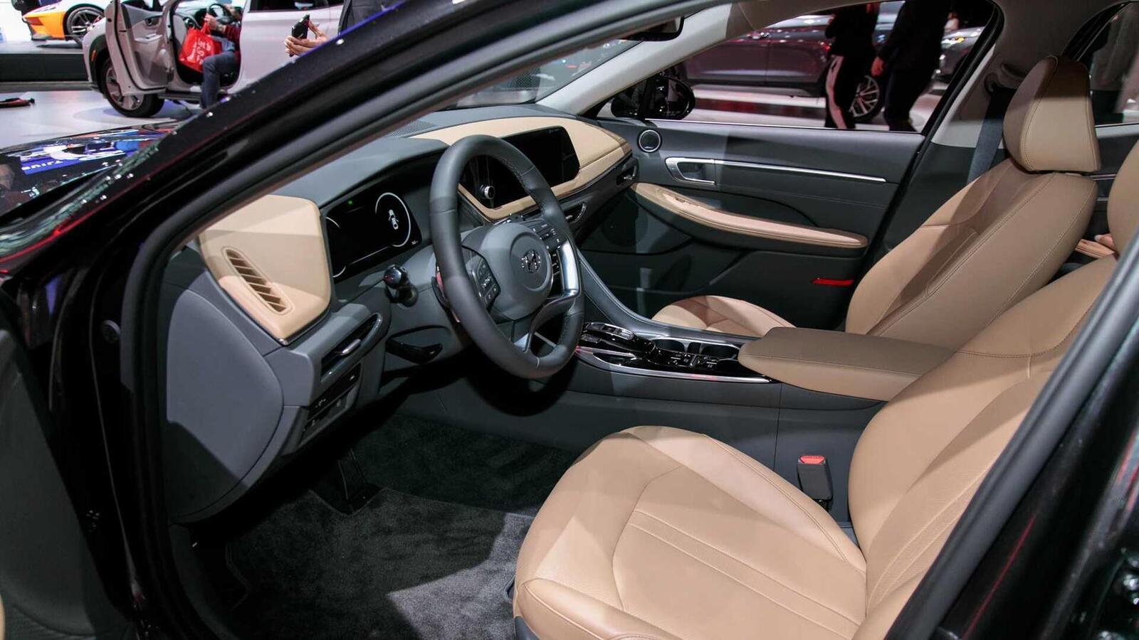 Hyundai đã ra mắt Sonata thế hệ thứ 8 tại Mỹ: Động cơ 1.6L tăng áp và 2.5L - Hình 10