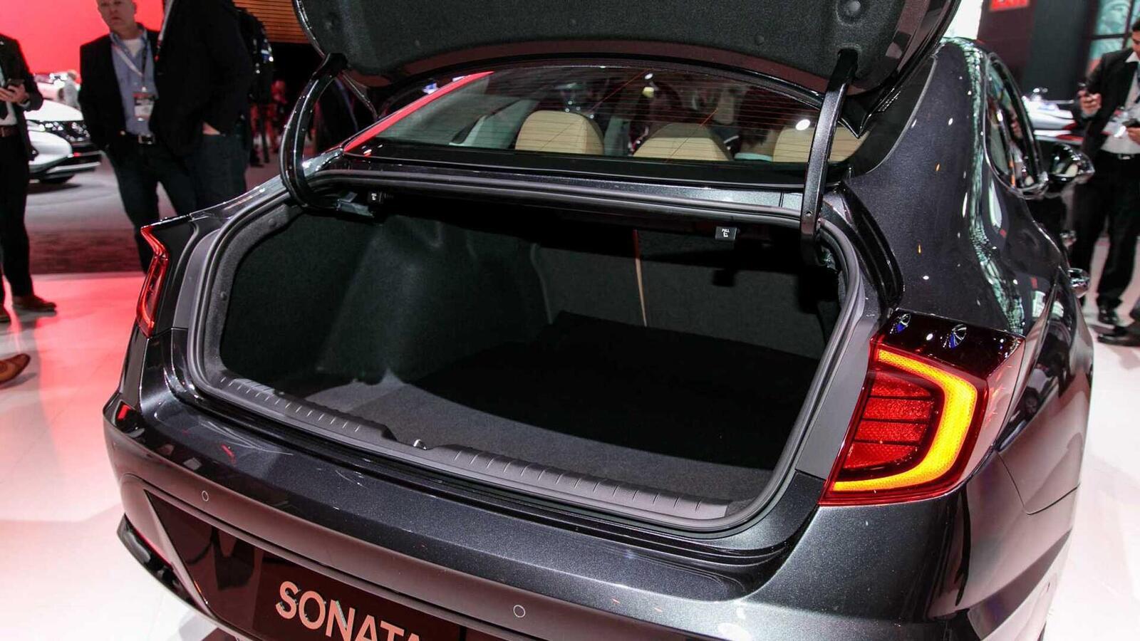 Hyundai đã ra mắt Sonata thế hệ thứ 8 tại Mỹ: Động cơ 1.6L tăng áp và 2.5L - Hình 13