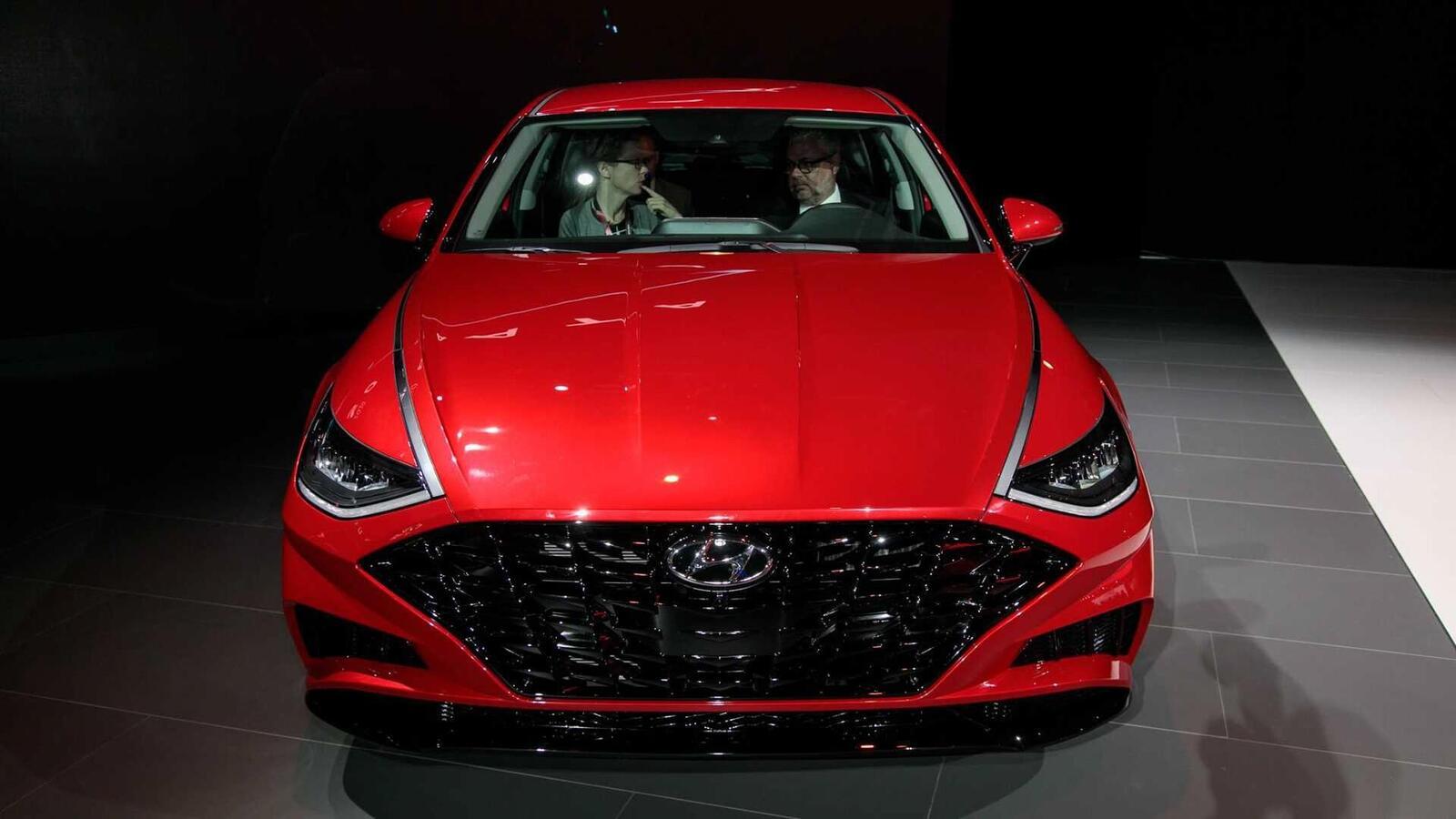 Hyundai đã ra mắt Sonata thế hệ thứ 8 tại Mỹ: Động cơ 1.6L tăng áp và 2.5L - Hình 15