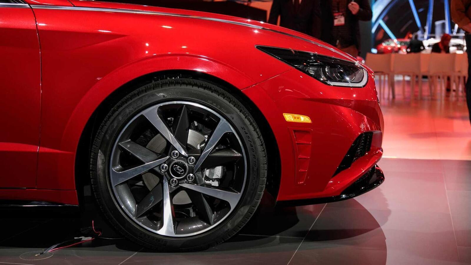 Hyundai đã ra mắt Sonata thế hệ thứ 8 tại Mỹ: Động cơ 1.6L tăng áp và 2.5L - Hình 18