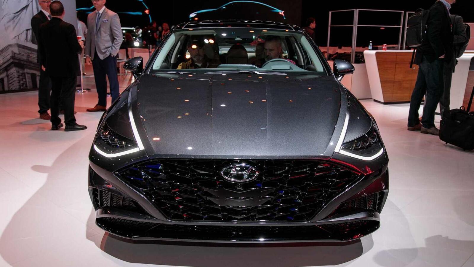 Hyundai đã ra mắt Sonata thế hệ thứ 8 tại Mỹ: Động cơ 1.6L tăng áp và 2.5L - Hình 19
