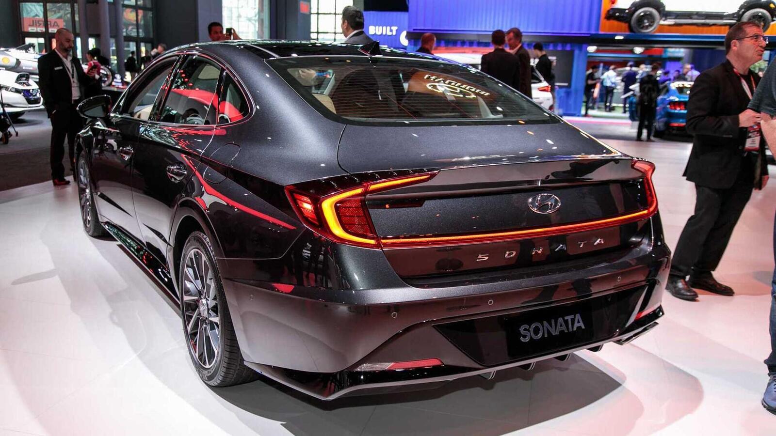 Hyundai đã ra mắt Sonata thế hệ thứ 8 tại Mỹ: Động cơ 1.6L tăng áp và 2.5L - Hình 20